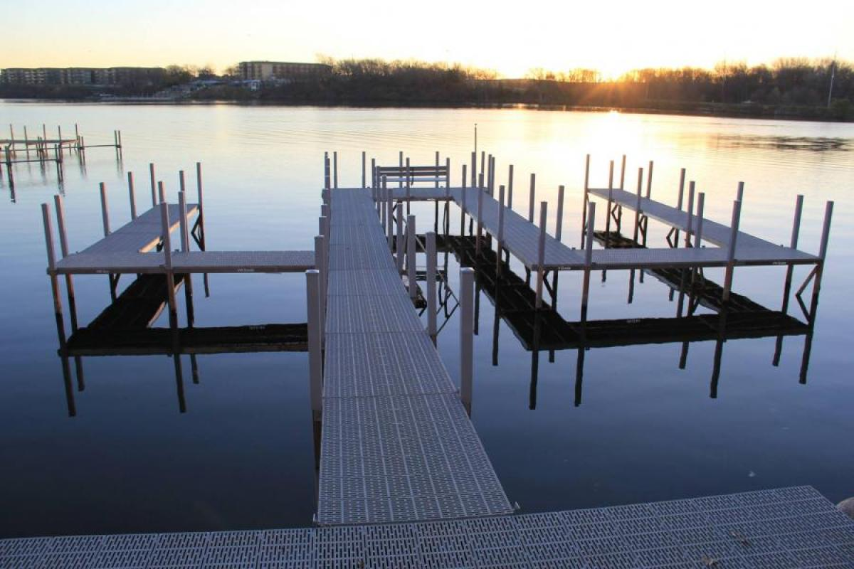 7 ways to customize your boat dock