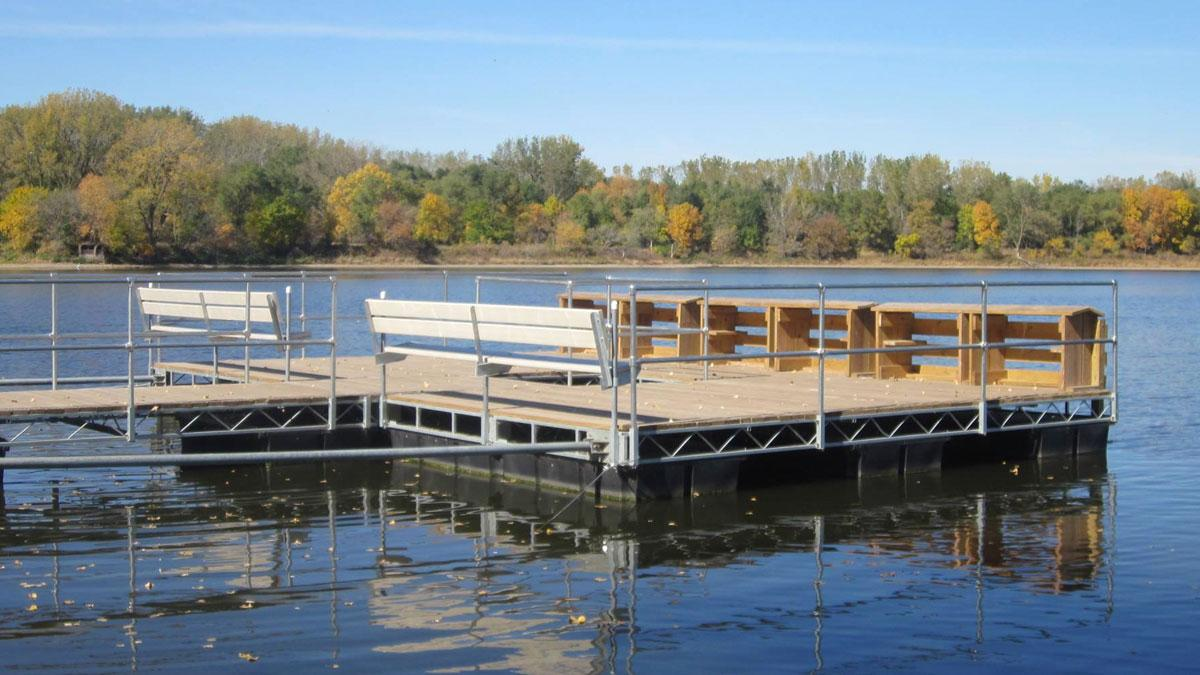 A Guide to Wood vs Aluminum Dock Decking | VW Docks